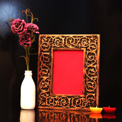 photo frame wooden handicraft with antique finish