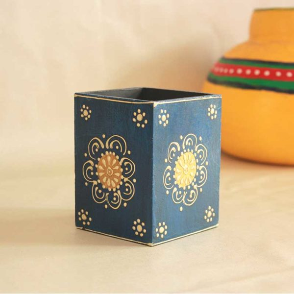 embossed painted pen stand