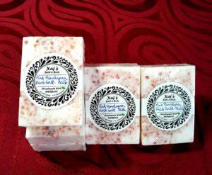 Himalayan Pink Rock Salt in Milk1